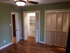 Clean and Spacious 3 Bedroom Main Floor
