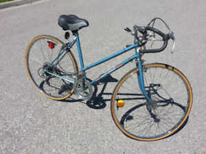 Vintage Simpson 10 speed Ladies Road Bicycle