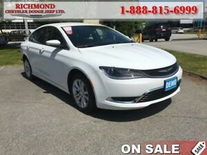 2016 Chrysler 200 Limited  - UConnect -  Power Seat - Low Mileag