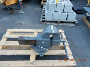NEW LARGE Reed 4CA Combination Bench/Pipe Vise NEW COST 1900 USD