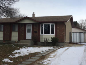 960 sq feet bungalow for rent in maples