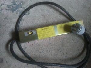 Prise u00E9lectrique-cable (179)