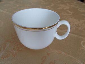 Royal Doulton bone china - white and gold cup Gatineau Ottawa / Gatineau Area image 2