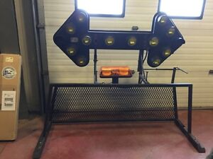 Back rack with flashing arrow sign and amber light