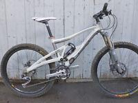 vélo de montagne marin 5.8 double suspension deore xt  roue 26