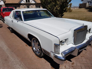 Awesome 77 Lincoln Town Coupe