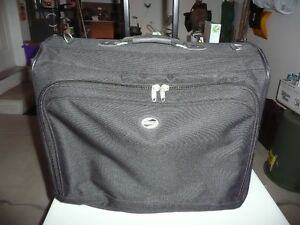 LUGGAGE (Garments Bags)