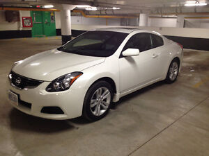 2012 Nissan Altima Coupe (2 door)