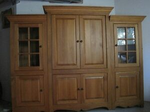 ARMOIRE SOLID  PINE WOOD COSTUME MADE West Island Greater Montréal image 4