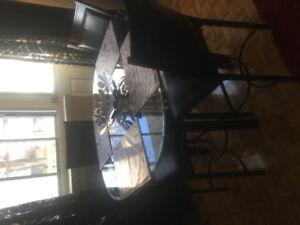 Ensemble salle à manger table haute 250$