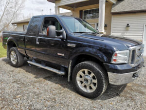Manual Stick Shift 2007 Ford F-350 Cared For Diesel