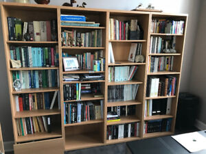 Bibliothèques et meubles de rangement assortis$300 le tout