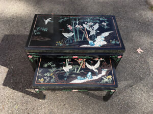 Tables Gigognes Asian Black Lacquered Nesting Table Set