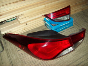 Hyundai Elantra 2014-2016 tail lights