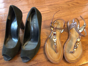 2 PAIRS OF WOMEN'S SHOES, SIZE 7 AND 7.5, HIGH HEELS AND SANDALS