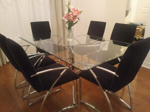 Modern Glass Dining Table with 6 Chairs Kitchener / Waterloo Kitchener Area image 6