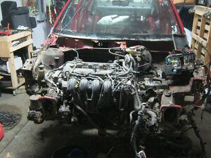 Pièces auto mazda 3 2005 complète 2.0L automatique