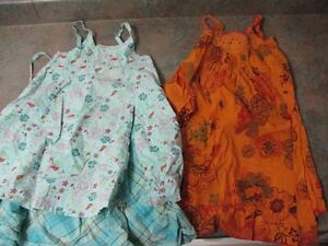 2 Robes grandeur 4T