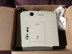 Sharp 720p Projector XV-C10J Model - Best offer