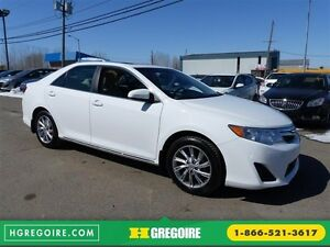 2014 Toyota Camry LE (Toit Ouvrant)