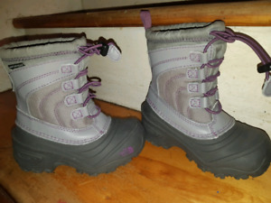 BRAND NEW! North Face kid winter boots.