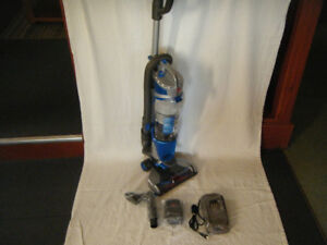 NEW Hoover Air Lift CORDLESS Upright Vacuum Or Floor Model