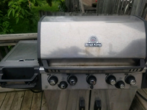 Broil King Natural gas, 5 burner BBQ