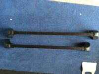 Volvo roof bars. Suits 440/640/S40/V40/C70
