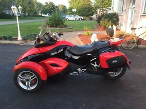 CAN-AM Spyder 2009 10 762 km