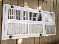 À DONNER - Volets de fenêtres centenaires en bois
