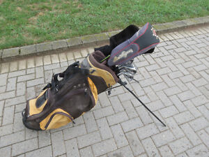 Golf club L.H. set with carry bag suitable for junior