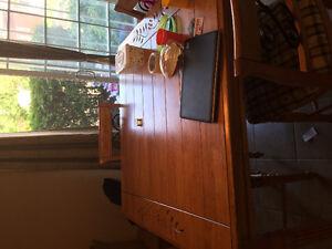 Table bistro avec 4 chaises