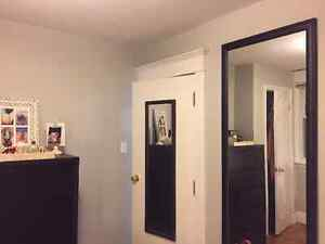 ROOM FOR RENT London Ontario image 5