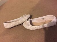 Well worn flats size 4
