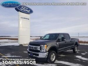2017 Ford F-250 Super Duty XLT  Low KMS