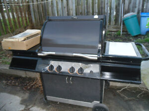 Vermont Castings BBQ-excellent condition-little use