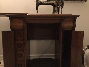 1910 Singer Sewing Machine Strathcona County Edmonton Area image 2
