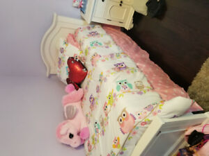 Beautiful Children's Bed - Twin