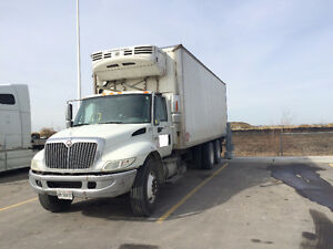 2005 International 4400 DT 530 Tandem Reefer Truck with Tailgate
