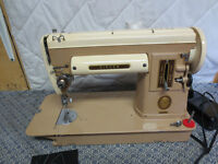 SINGER 301 SEWING MACHINE TWO-TONE