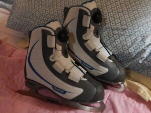 Ladies Figure Skates size 6