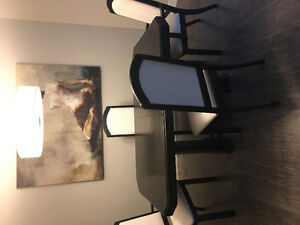 Solid oak table /with 6 chairs and leaf / make me an offer