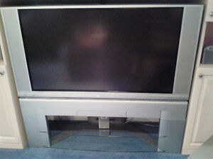 """50"""" HITACHI LCD REAR PROJECTION TELEVISION WORKS GREAT!"""