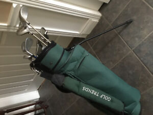 Ladies golf clubs and cart fo sale