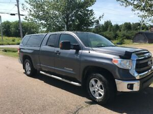 2014 Toyota Tundra SR5 package- EXCELLENT CONDITION!