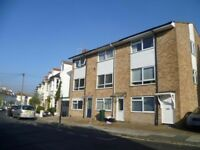 Room available in a shared student house in Warleigh Road in Brighton, BN1 4NT available NOW!