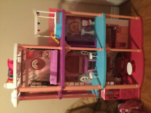 Barbie mansion in good condition with working elevator