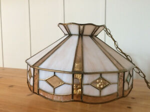 Tiffany hanging lamp in amber and white