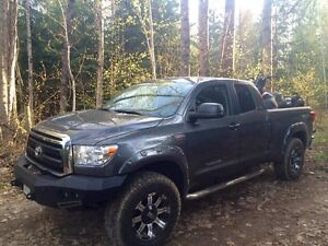 2013 Tundra SR5- TRD  package