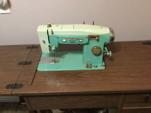 Sewing machine electric Retro Blue made by White- Working